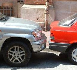 Blechschaden Parkplatz Unfall